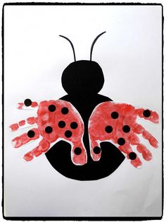 Petite coccinelle & ladybug handprints, spring, diy child The post Little ladybug & appeared first on Best Pins. Toddler Art, Toddler Crafts, Preschool Crafts, Ladybug Crafts, Handprint Art, Crafts For Kids To Make, Summer Crafts, Activities For Kids, Art Projects