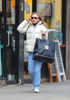 Lily Rose Depp Style, Lily Rose Melody Depp, Lily Depp, College Outfits, Mode Inspiration, Jean Outfits, Cool Girl, Winter, Clothes