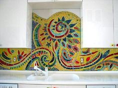 15 Outstanding Kitchen Mosaic Backsplash Ideas That Are Worth Watching - Decoration De Mosaic Artwork, Mosaic Wall, Mosaic Glass, Stained Glass, Wall Tiles, Glass Art, Mosaic Crafts, Mosaic Projects, Mosaic Backsplash