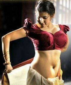 Images of actresses wearing Half blouse (Saree blouse) from movies Indian Actress Hot Pics, Most Beautiful Indian Actress, Beautiful Celebrities, Beautiful Actresses, Beautiful Women, Hot Actresses, Indian Actresses, Jean Racine, Indian Navel