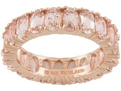 PERFECT morganite and rose gold wedding band :) I think I'd prefer white gold or platinum, but I love this look