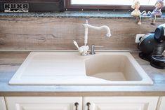 Mogoșoaia   Kuxa Studio   Călin Sink, Interior Design, Studio, Mai, Home Decor, Houses, Sink Tops, Nest Design, Vessel Sink