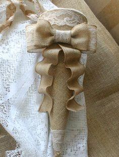 Burlap cones by Bannerbanquet