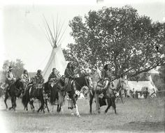 Women riders in Crow? Early Photo by Richard Throssel. Source - University of Wyoming, American Heritage Center. American Legend, American History, American Life, American Art, Native Indian, Native American Indians, Navajo, Crow Indians, American Photo