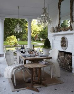 A House Romance: Outdoor style