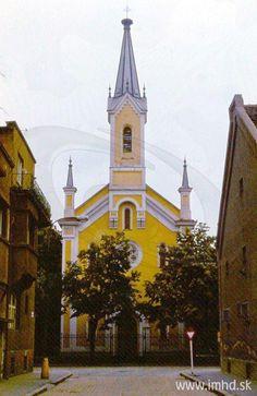 Vyústenie Cintorínskej na ul. Bratislava, Notre Dame, Tower, Architecture, Building, Arquitetura, Rook, Computer Case, Buildings