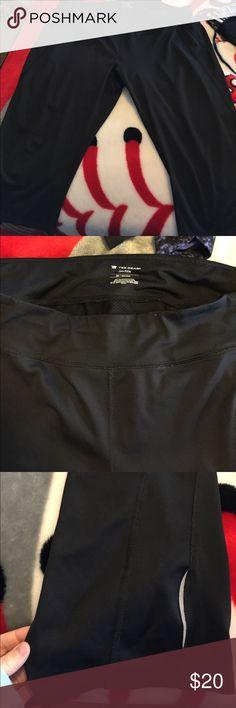 Cropped exercise pants! Plus size cropped exercise/yoga pants! Tek Gear Dry Tek material. NWOT. tek gear Pants Track Pants & Joggers