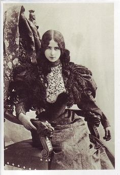 """Cleo de Merode (1875-1966) french dancer , classic beauty, 1895.  In 1897  the press  began to spread  ill-founded stories that the young ballet performer had become the old  Belgian King Leopold II latest mistress and the King was nicknamed """"Cleopold"""". Cleo and her mother vehemently denied the accusations. Nonetheless, the accusations stuck and damaged her private reputation, if not her professional career."""