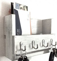 Rustic key holder- mail organizer – wooden key rack- reclaimed wood- entryway shelf- key hooks- distressed farmhouse decor - All For Decorations Mail Organizer Wall, Diy Organizer, Mail Holder Wall, Entryway Shelf, Entryway Decor, Wooden Key Holder, Diy Key Holder, Key Holders, Key Rack