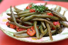 Tomato Basil Beans   Save Print Prep time 5 mins Cook time 60 mins Total time 1 hour 5 mins   I know these beans are a real time commitment to make but... let me tell you they are well worth it! Green beans happen to be one of my favourite vegetables. One day I...Read More »