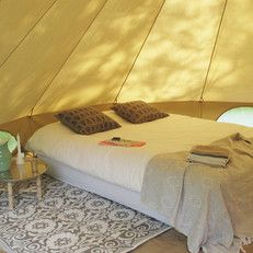 This way I'd love to go glamping! - Classic Bell tent  | Big Excellent, afritsbaar grondzeil  | Urbans and Indians