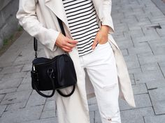 LACK OF COLOUR - Blog / #white #jeans #striped #shirt #outfit
