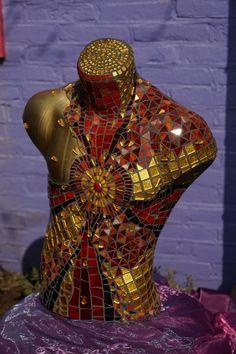 Unaffordable Mosaic Crafts, Mosaic Art, Mosaic Glass, Mosaic Designs, Mosaic Ideas, Art Curriculum, Mannequin Heads, Mosaic Garden, Stained Glass Art