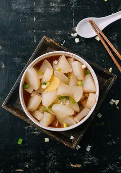 Boiled Daikon Radish: A Healthy, Tasty Side Dish - The Woks of Life Korean Radish Recipe, White Radish Recipes, Daikon Recipe, Healthy Side Dishes, Easy Healthy Dinners, Healthy Recipes, Veggie Dishes, Winter Vegetables, Dinner Recipes