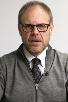 Watch Alton Brown Hilariously Insult Kitchen Gadgets You Probably Own