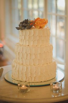 Pièce montée 2017  Ce gâteau de mariage est parfait pour un mariage rustique! #weddingcake {Kitt Creative}