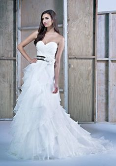 Floor Length Sweetheart Organza A line Sleeveless Lace up Back Wedding Dresses