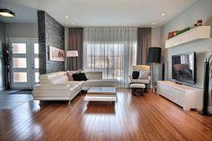 Maison à paliers multiples à vendre à Drummondville (Saint-Nicéphore) - 11752861 - SINDIE SALVAS Living Area, Living Spaces, Living Room, Hall Interior Design, Grey Room, Grey Walls, Modern House Design, Sweet Home, New Homes