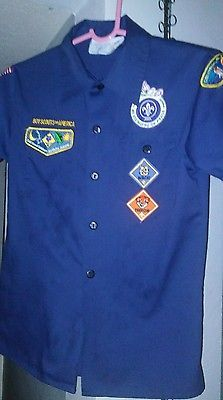 Cub Scout Uniform - Tigers/Wolves/Bears- Size Medium - Patches Sewn on!  On ebay now!