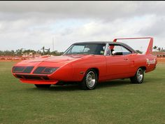 Plymouth Road Runner Superbird High Resolution Image of Plymouth Muscle Cars, Dodge Muscle Cars, Dodge Charger Daytona, Dodge Daytona, Plymouth Superbird, Hot Rides, Us Cars, Road Runner, American Muscle Cars