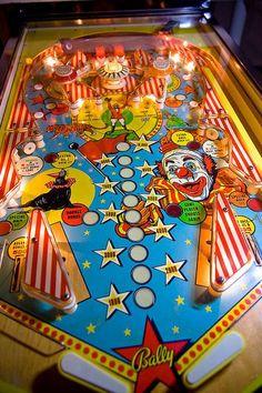 Vintage Games, Vintage Toys, Flipper Pinball, Video Game Machines, Pinball Wizard, Penny Arcade, Arcade Machine, Old Coins, Jouer