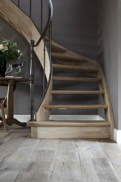 staircase and railing -Gorgeous wood staircase and railing - Seaside Coconut Trees 846 Stair Risers Creek Flowers 1629 Stair Risers Wrought Iron Stair Railing, Stair Handrail, Banisters, Railings, Stair Risers, Handrail Ideas, Rustic Stairs, Wood Staircase, Staircase Design