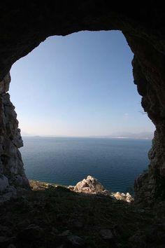 Trekking @ Ovrios Island, visit the 13th century castle ruins.