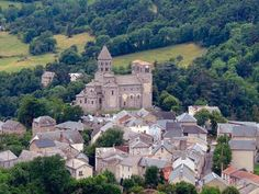 My favorite part in this region. majestic romanesque church with a beautiful madonna and child from the twelfth century. Beaux Villages, Madonna And Child, Architecture Old, Romanesque, Travel Inspiration, Europe, Mansions, House Styles, Places