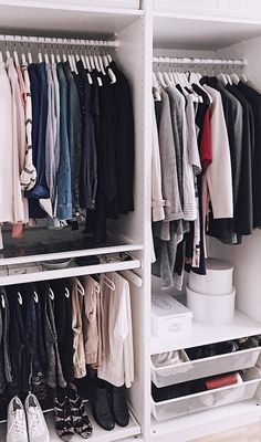 The Best Open Closet Inspiration To Keep Your Wardrobe Super-Organized. Creative organization hacks for you closet and clothing with open closets in small bedrooms because nobody wants to sleep next to a giant clothes monster. Open Wardrobe, Wardrobe Closet, Built In Wardrobe, Wardrobe Organisation, Small Closet Organization, Organization Hacks, Small Closets, Open Closets, Small Bedrooms