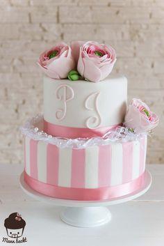 Pink Wedding Cake mit ein wenig Retro Chic und ganz viel Kitsch