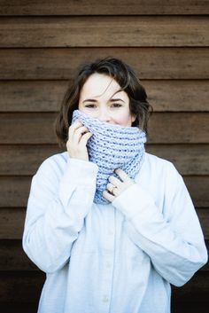 Powder Blue Chunky Cowl | A beautiful chunky knit cowl perfect for any skill level.