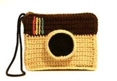 Free crochet pattern Instagram camera bag! Super fast!- PDF has both Dutch and English directions