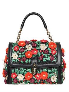 Dolce and Gabbana Woven Raffia Top Handle Bag - Lyst Dolce And Gabbana Handbags, Dolce Gabbana, My Bags, Purses And Bags, Cute Purses, Beautiful Handbags, Beautiful Bags, Sacs Design, Crochet Purses