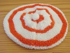 CHAPITRE 22 - Cardigan modèle gratuit. - L'atelier tricot de Mam' Yveline. Baby Hats Knitting, Knitting Projects, Kids Rugs, Couture, Orange, Cardigan Bebe, Augmentation, Lenny Kravitz, Beret