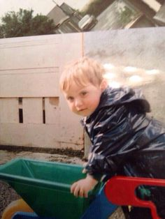 Niall Horan: posted by his brother greg on twitter