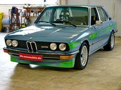 BMW E12 528