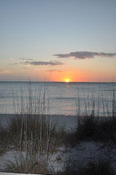 The sunsets over Lighthouse Beach on Gasparilla Island, Florida