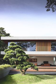 this new california modern house design makes itself at home in the forest 9 Residential Architecture, Contemporary Architecture, Interior Architecture, Contemporary Style, Villa Luxury, Facade House, House And Home Magazine, Modern House Design, Loft Design