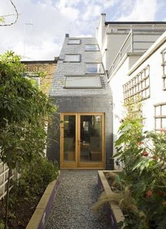 42 Awesome Terrace House Extension Design Ideas With Open Plan Spaces - Extending your home by building outside can have a significant impact on your property's curb appeal when it comes time to list your house on the mark. Chalet Extension, Cottage Extension, House Extension Design, House Design, Green Architecture, Contemporary Architecture, Architecture Design, Terraced House, Narrow House