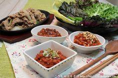 쌈요리 좋아하세요?? 봄철 입맛 없을때 상추쌈. 양배추 찐거.. 각종 쌈채소에 밥 넣고 맛있는 쌈장을 넣어 먹으면 너무 맛있지요? 얼마전 쌈장 만드는 방법 소개해달라고 하신 분의 요청에 의해.. 고기쌈을.. Korean Food, Rice, Asian, Meals, Ethnic Recipes, Korean Cuisine, Meal, Asian Cat, South Korean Food