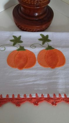 Table Toppers, Christmas Angels, Baby Quilts, Tea Towels, Napkins, Patches, Dish Towels, Easy Crafts, Applique Quilts