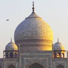 Book Taj Mahal Private Day Tours from New Delhi by Car online with classictoursindia.com and explore all tourist places at lowest price.