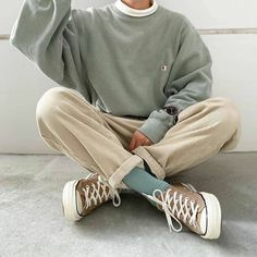 Stylish Mens Outfits, Teen Fashion Outfits, Retro Outfits, Cute Casual Outfits, Vintage Outfits, Teen Boys Outfits, 80s Fashion Men, Teenage Boy Fashion, Gray Outfits