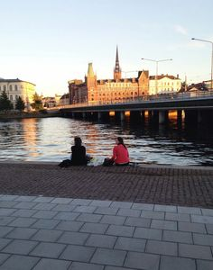 Discover restaurants, bars, shops, clubs & cultural hotspots that locals love in Stockholm: www.10thingstodo.in