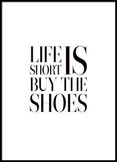 Rolig texttavla med citat om skor
