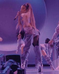 Ariana Grande Photoshoot, Ariana Grande Pictures, Ariana Grande Wallpaper, Dangerous Woman, Queen, Foto E Video, My Girl, Celebs, Singer