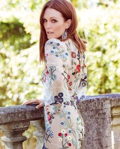 Julianne More Wears Super Luxe Fashion in Vogue Russia - Julianne Moore turns up the glam factor for the September Julianne Moore, Julie, Beautiful Redhead, Vogue Russia, Tips Belleza, Looks Style, Beautiful Actresses, Redheads, Red Hair