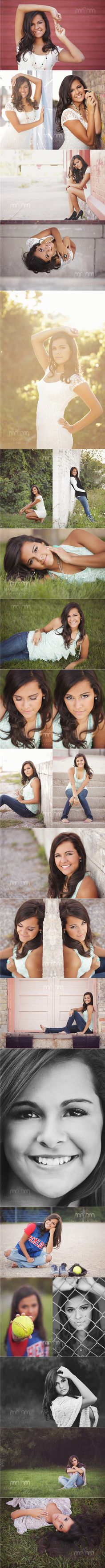 Senior poses girls