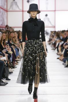Autumn-Winter Dior Ready-to-Wear Show Teddy Girl, Teddy Boys, Dior Fashion, Fashion Week, Runway Fashion, Fashion Show, Fashion Outfits, Natalia Vodianova, Cara Delevingne