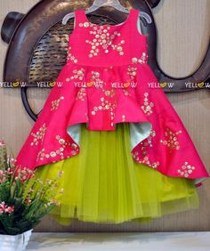 Items similar to net skirt with silk hand work top on Etsy, Diy Abschnitt, Kids Party Wear Dresses, Kids Dress Wear, Kids Gown, Dresses Kids Girl, Kids Outfits, Girls Frock Design, Kids Frocks Design, Baby Frocks Designs, Baby Dress Design
